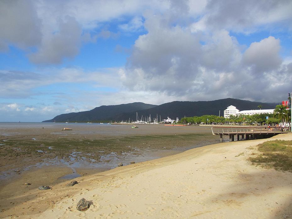 Cairns (1)